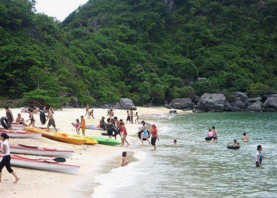 Đảo Khỉ - Địa điểm thu hút du khách khi du lịch Cát Bà