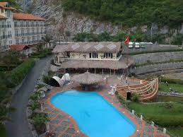 Toàn bộ khung cảnh hòa hợp với thiên nhiên của Cát Bà Sunrise Resort