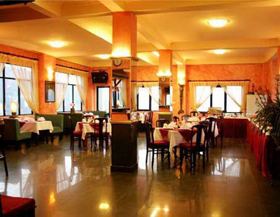 Nhà hàng khách sạn Cát Bà Plaza