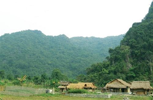 Tham quan làng Việt Hải Cát Bà