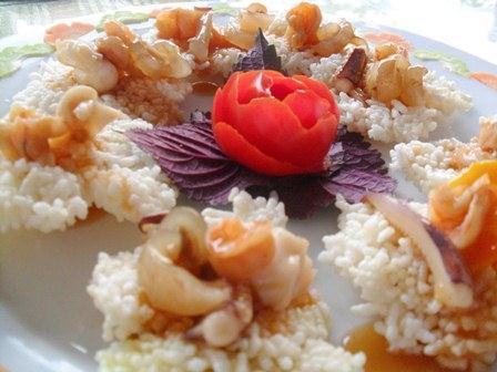 Thưởng thức cơm cháy hải sản thơm ngon đặc trưng ở Cát Bà