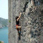 Chinh phục núi đá Cát Bà cần chuẩn bị những gì?